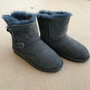 Other - New without tags Blue Youth shearling buckle boot
